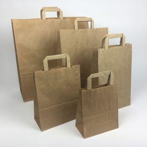 Braune Papiertragetaschen mit Henkel