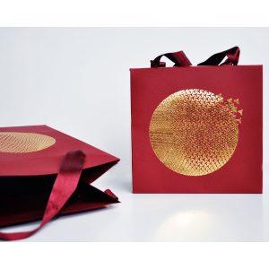 Designer-Tragetasche mit Satinband in Handarbeit gefertigt